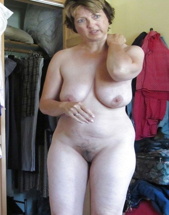 Middle age woman nud phote — pic 10